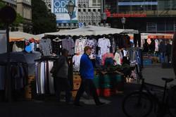 ドイツでは商店やレストランなどが再開している(Bloomberg)