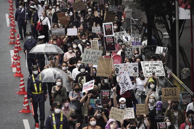 Japan, New Zealand march to mourn George Floyd, seek change - The Mainichi