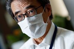 インタビューに答える国立感染症研究所の脇田隆字所長=東京都新宿区で2020年6月3日、吉田航太撮影