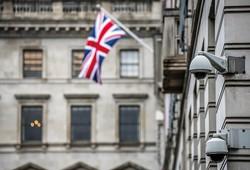人種差別への怒りが爆発する土壌抱える英国 (Bloomberg)