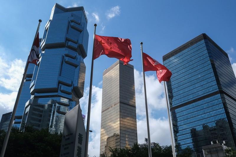 世界的な金融センターが揺れている(Bloomberg)