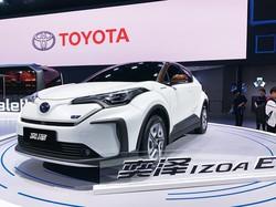 トヨタが新たに投入するEV「イゾア」 筆者撮影
