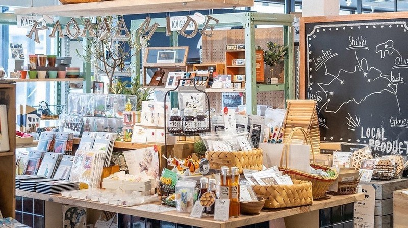 西岡家具の店内にある「香川MADE」のコーナー=筆者提供