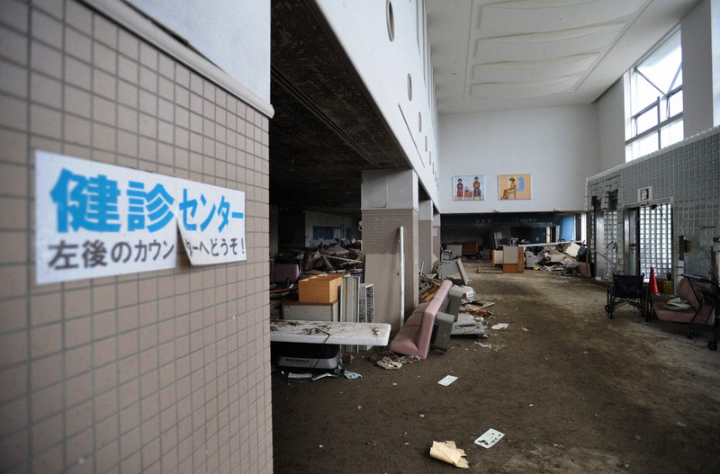 津波被害に遭い使用できなくなった石巻市立病院=宮城県石巻市で2011年9月2日午後2時14分、丸山博撮影