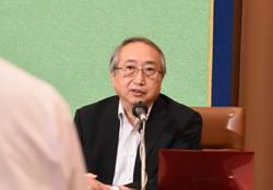専門家会議の今後のあり方に関する記者会見で、質問に答える岡部信彦氏=東京都千代田区の日本記者クラブで、2020年6月24日、金秀蓮撮影