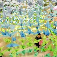 震災から4カ月を前に、被災地の復興を願い飾られた折り鶴=東京都中野区の中野ブロードウェイで2011年7月10日、久保玲撮影