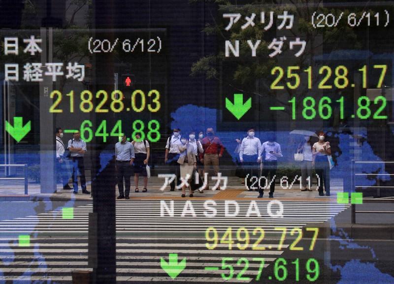 東京都中央区で2020年6月12日午前9時13分、梅村直承撮影