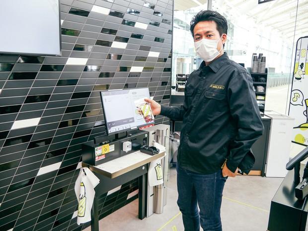 無人決済は、店員の感染防止にも役立つ(高輪ゲートウェイ駅の無人コンビニ)