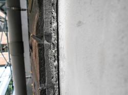 建物に密着せず浮いている外壁タイル さくら事務所提供