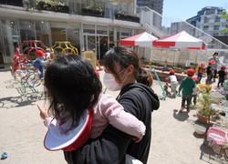 新型コロナウイルスの感染対策をしながら運営を続ける保育園=福岡市博多区で2020年4月24日午前11時2分、津村豊和撮影