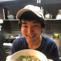 「コオロギラーメン」。1杯に100匹以上のコオロギが使われている=東京都中央区日本橋馬喰町2のアントシカダで2020年6月25日午前11時59分、尾崎修二撮影