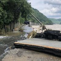 球磨川の増水で壊れた道路=熊本県球磨村で2020年7月4日撮影、住民提供