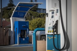 カリフォルニア州ミルバレーの水素ステーション(Bloomberg)
