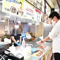 【阪神―DeNA】ビニールシートが設置された売店=兵庫県西宮市の阪神甲子園球場で2020年7月10日(代表撮影)