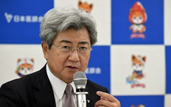 インタビューに答える中川俊男・日本医師会長=東京都で2020年7月9日、宮本明登撮影