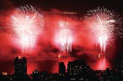 独立記念日の花火大会(ニューヨーク) (Bloomberg)