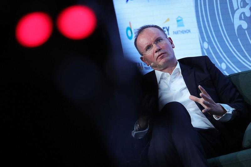逮捕されたワイヤーカードのブラウン前社長。同社の財務内容の不透明さは以前から指摘されていた(Bloomberg)
