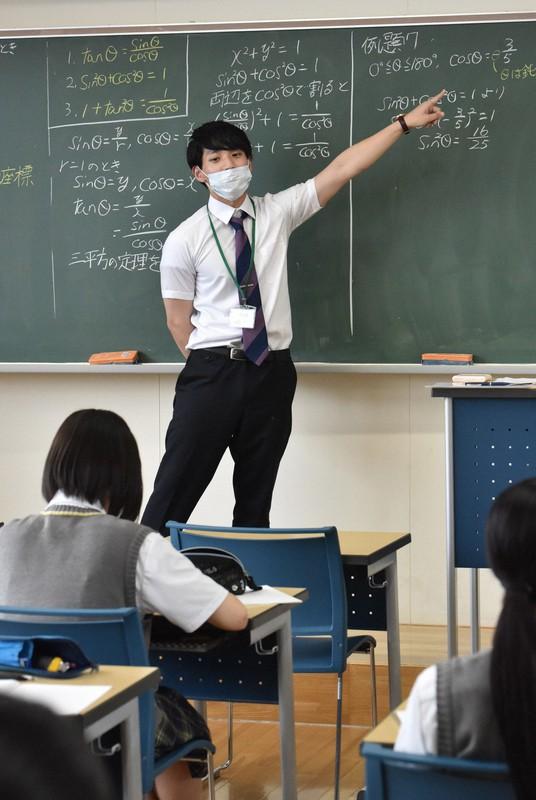 コロナで教育実習も延期…採用試験対策できず「多くの学生が不安 ...