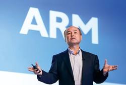 アームを売却するか否か、孫正義・ソフトバンクグループ会長兼社長の選択は (Bloomberg)