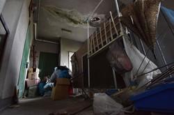 スラム化が進めばゴミなどが廊下に放置されるケースも