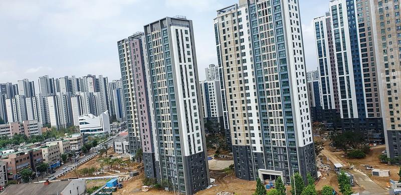 ソウル市内に建設中の大規模マンション団地 筆者撮影