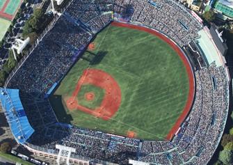村上春樹さんが愛した神宮球場=東京都新宿区で2010年11月、岩下幸一郎撮影