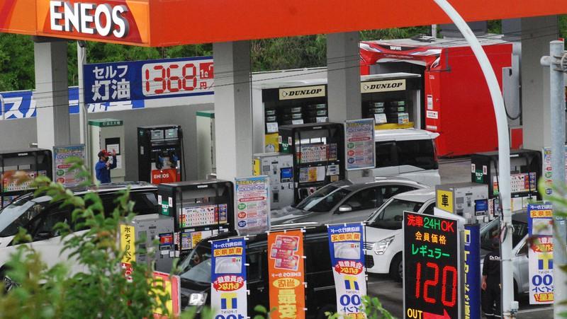 石油業界は消費者に対する説明が十分だろうか=東京都内で2020年7月1日、川口雅浩撮影