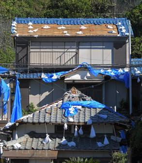 昨年相次いだ台風で屋根に大きな被害が出た(千葉県)