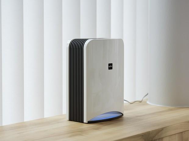 深紫外線LEDを搭載する日機装の空間除菌消臭装置「エアロピュア」(日機装提供)