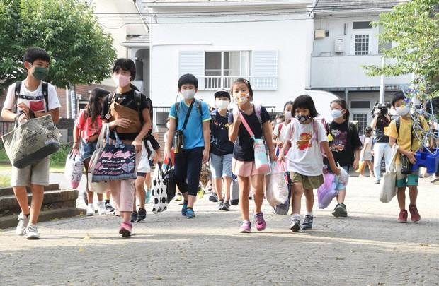 夏休み 小学校 横浜 市