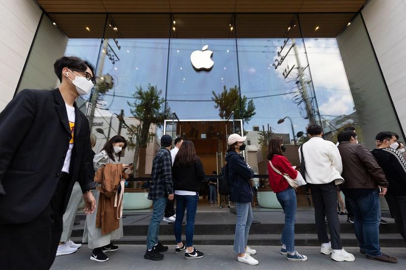 ソウル市江南区の公式アップル店舗(Bloomberg)