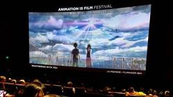米国の「天気の子」のプレミア上映会場は熱狂的なファンで埋め尽くされた=米カリフォルニア州ハリウッドで2019年10月18日、福永方人撮影