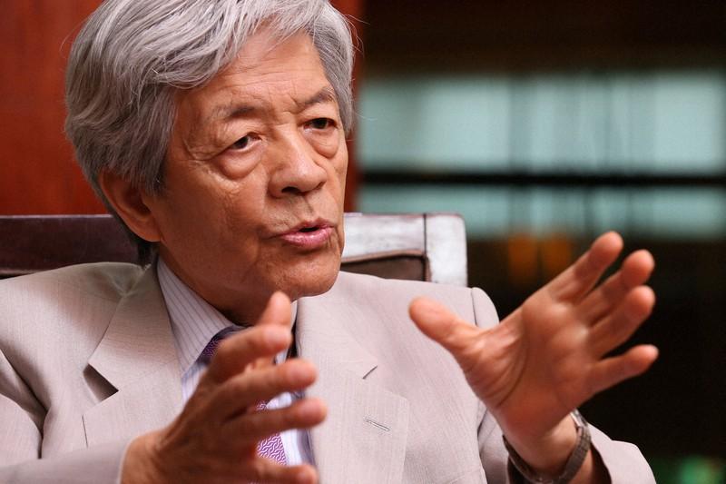 インタビューに答える田原総一朗さん=東京都港区で2017年8月15日午後2時49分、太田康男撮影