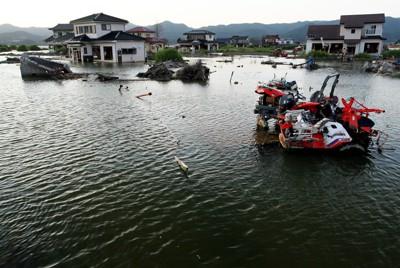 震災から半年たっても水没したままの長面地区=宮城県石巻市で2011年9月6日、森田剛史撮影