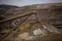 南米最大のヤナコチャ金鉱山(ペルー)はニューモント社が共同設立したベンチャーが操業する Bloomberg