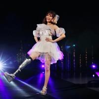 ステージに立つモデルの海音さん=東京都港区で2020年8月25日午後8時18分、幾島健太郎撮影