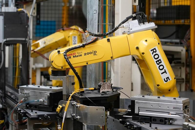 産業用ロボットも伸びが期待できる(ファナック製ロボ)(Bloomberg)