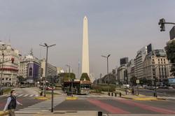 債務不履行に陥ったアルゼンチン。コロナ禍で経済活動が制限されている(Bloomberg)