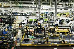 自動車産業は擦り合わせの代表例 (Bloomberg)
