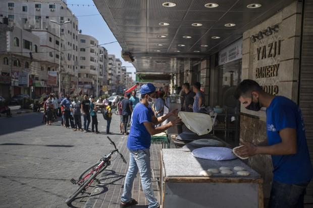 ガザ地区でコロナ市中感染が広がる ハマス、外出禁止令出しロック ...