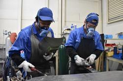 製造業など外国人労働者が現場を支えるケースは多い