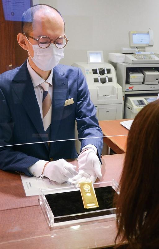 高値圏でもなお金地金への関心は高い(東京都中央区のギンザタナカ銀座本店)
