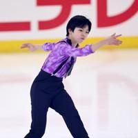 フィギュアスケート「ドリーム・オン・アイス」でSPを披露する森本涼雅=横浜市のコーセー新横浜スケートセンターで2020年9月12日(代表撮影)