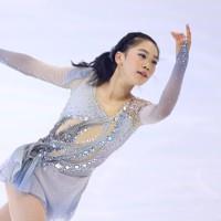 フィギュアスケート「ドリーム・オン・アイス」でSPを披露する吉田陽菜=横浜市のコーセー新横浜スケートセンターで2020年9月12日(代表撮影)