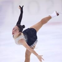 フィギュアスケート「ドリーム・オン・アイス」でSPを披露する樋口新葉=横浜市のコーセー新横浜スケートセンターで2020年9月12日(代表撮影)