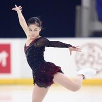 フィギュアスケート「ドリーム・オン・アイス」でフリーを披露する吉田陽菜=横浜市のコーセー新横浜スケートセンターで9月13日(代表撮影)