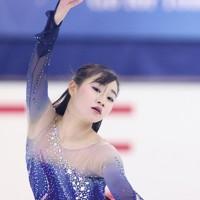 フィギュアスケート「ドリーム・オン・アイス」でフリーを披露する河辺愛菜=横浜市のコーセー新横浜スケートセンターで2020年9月13日(代表撮影)