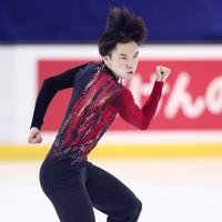 フィギュアスケート「ドリーム・オン・アイス」でフリーを披露する友野一希=横浜市のコーセー新横浜スケートセンターで2020年9月13日(代表撮影)