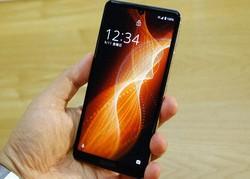 アクオスセンス5Gは売れ筋のシリーズを5Gに対応させた端末。通信速度の高速化に合わせ基礎的な機能も向上