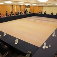 自民党総裁選終了後に行われた臨時役員会・役員連絡会合同会議=東京都内のホテルで2020年9月14日午後3時56分、宮武祐希撮影